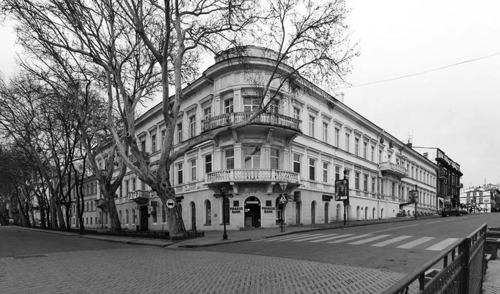 PUSHKINSKA AND LANZERONIVSKA STREETS